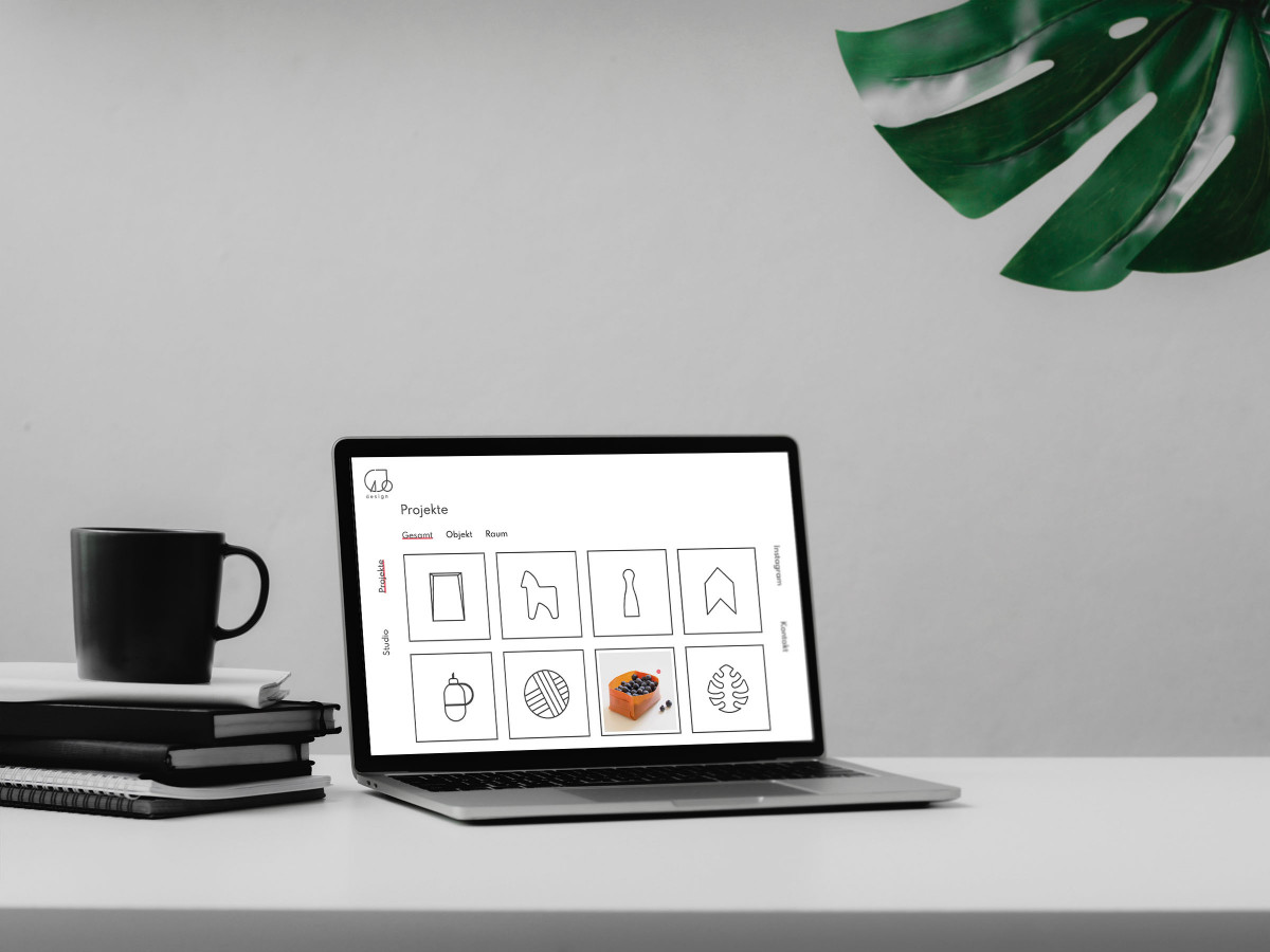 Laptop mit geöffneter Website
