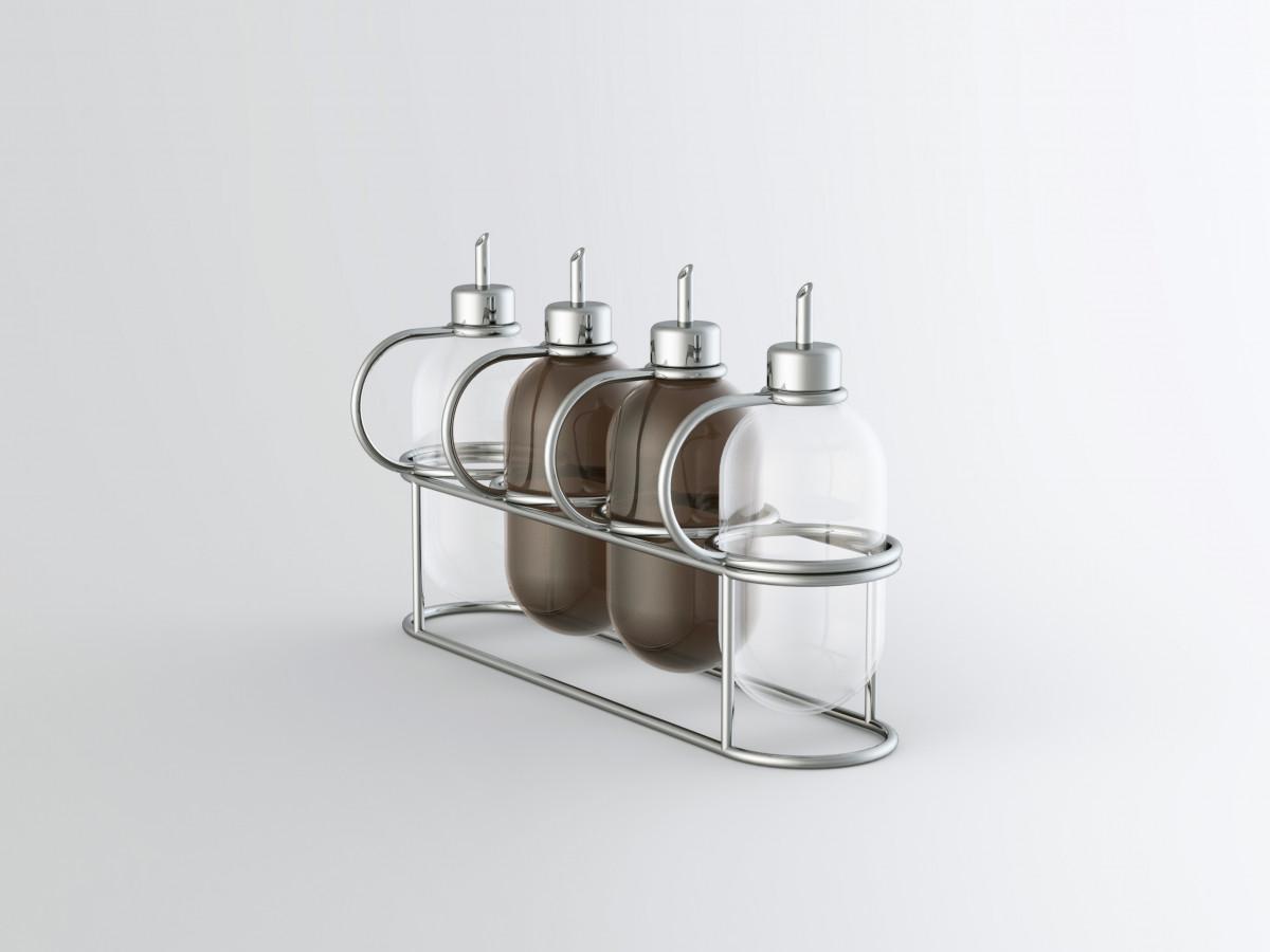 Vier Öl- und Essigflaschen